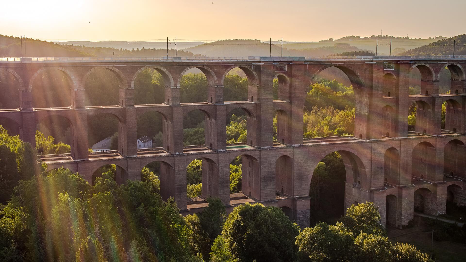 Göltzschtalbrücke: größte Ziegelsteinbrücke der Welt